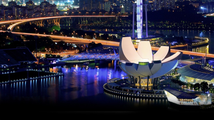 http://highend-traveller.com/artscience-museum-marina-bay-sands-singapore-worlds-first-artscience-museum/