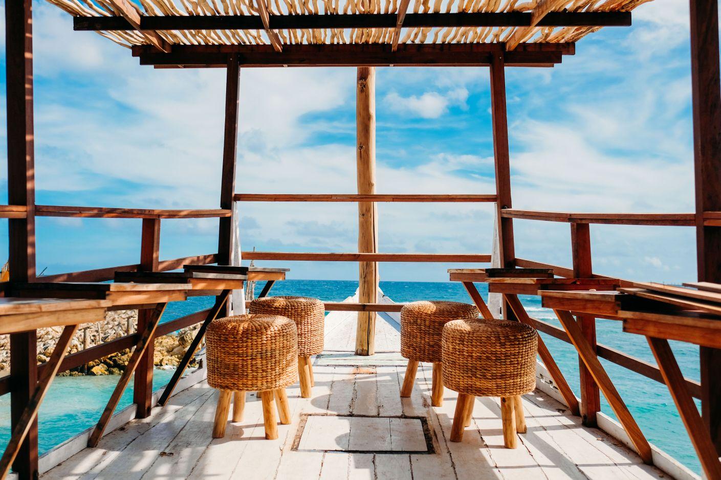 http://highend-traveller.com/idyllic-melasti-beach-welcomes-minoo-beach-club/