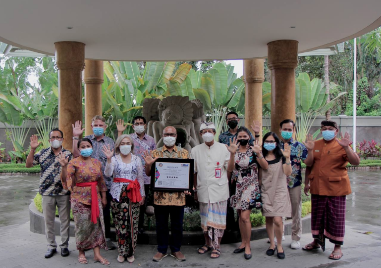http://highend-traveller.com/seres-springs-resort-and-spa-singakerta-ubud-has-received-a-five-star-hotel-certification/
