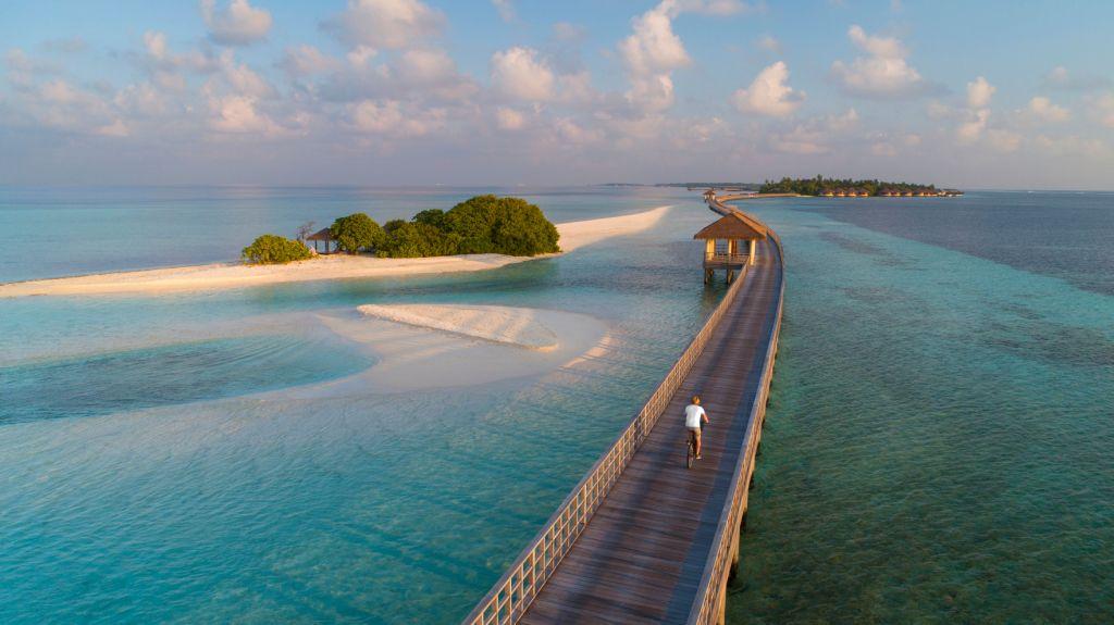 https://highend-traveller.com/the-residence-maldives-at-dhigurah-now-open/
