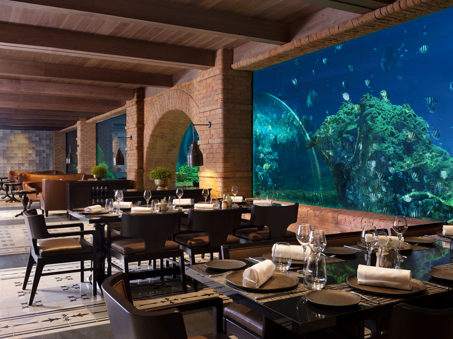 https://highend-traveller.com/the-apurva-kempinski-bali-reintroduces-koral-restaurant-balis-first-aquarium-restaurant/