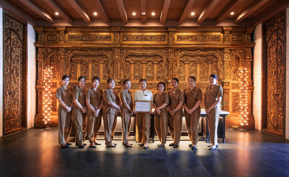 https://highend-traveller.com/apurva-spa-wins-best-hotel-spa-in-coveted-conde-nast-johansens-award/